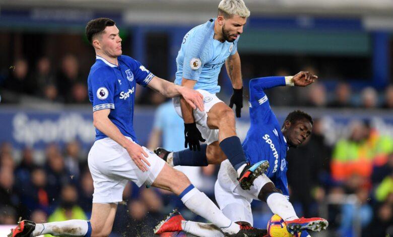 تأجيل مباراة مانشستر سيتي وإيفرتون فى الدوري الانجليزي بسبب فيروس كورونا